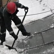 Výškové práce - Odpratávanie snehu zo striech (1)
